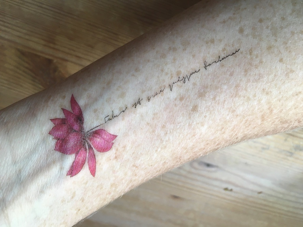 F1A9A4DE-TattooageFeurFaux